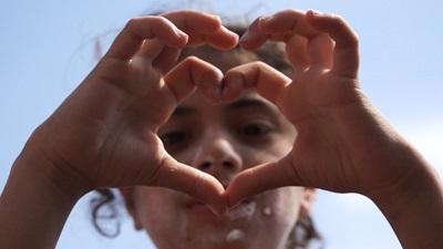 Primal Scream Support Oxfam's Love Syria Campaign